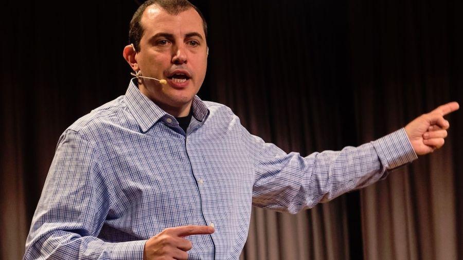 Андреас Антонопулос: В попытке задавить биткоин государства рискуют слить фиат в черную дыру