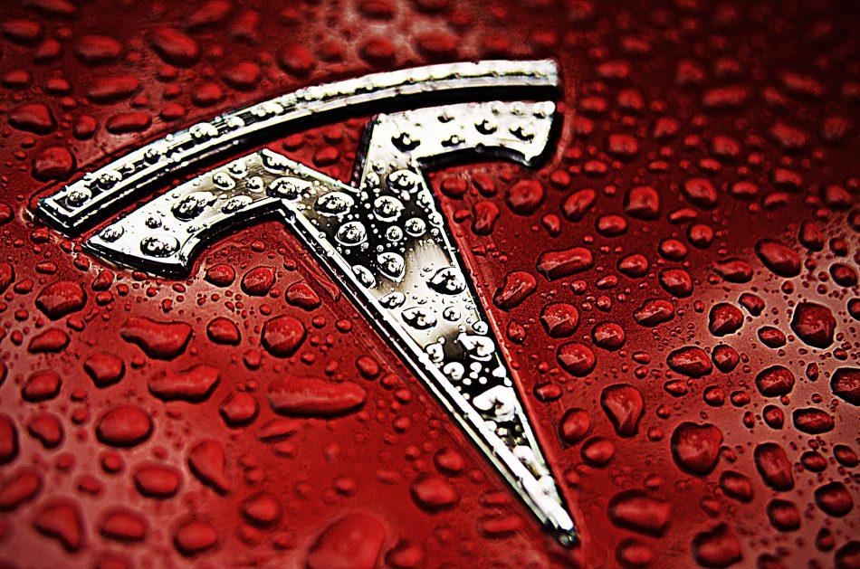 Tesla пострадала от криптохакеров