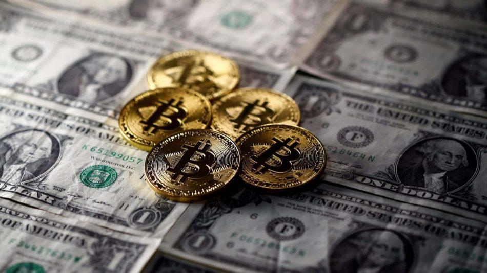 Крах валютных рынков провоцирует рост биткоина