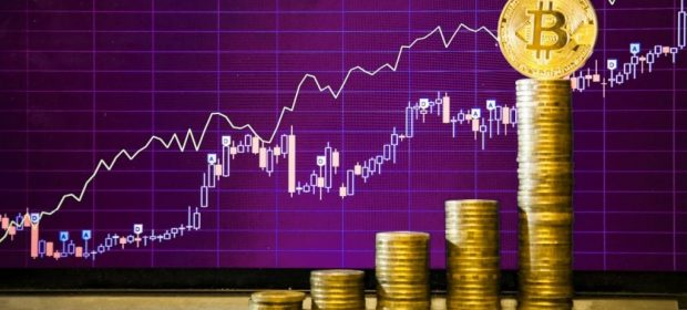 биткоин плавно движется к отметке $7000