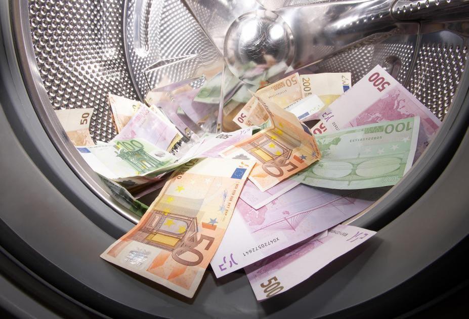 Число преступлений, связанных с отмыванием денег, постоянно растет