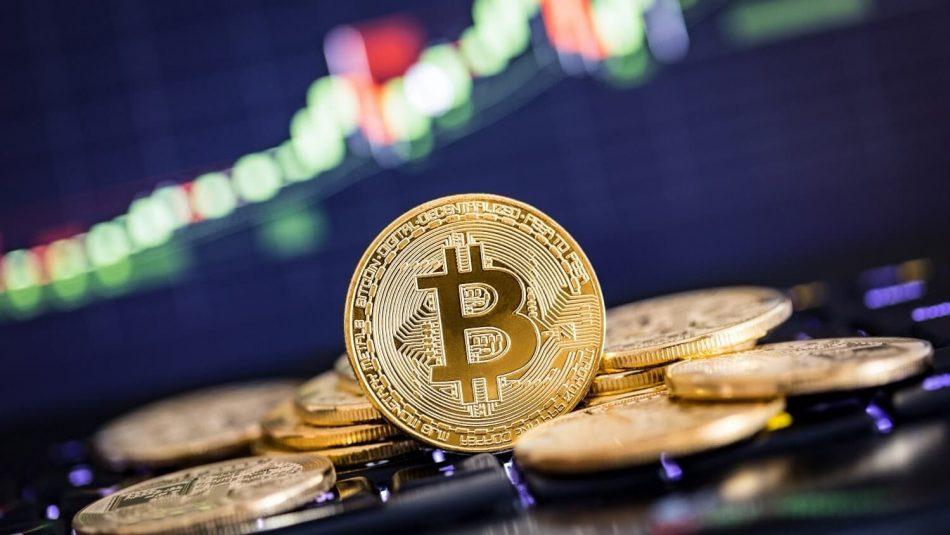Цена биткоина подпрыгнула до $6700 одновременно суходом BitMEX натехнические работы