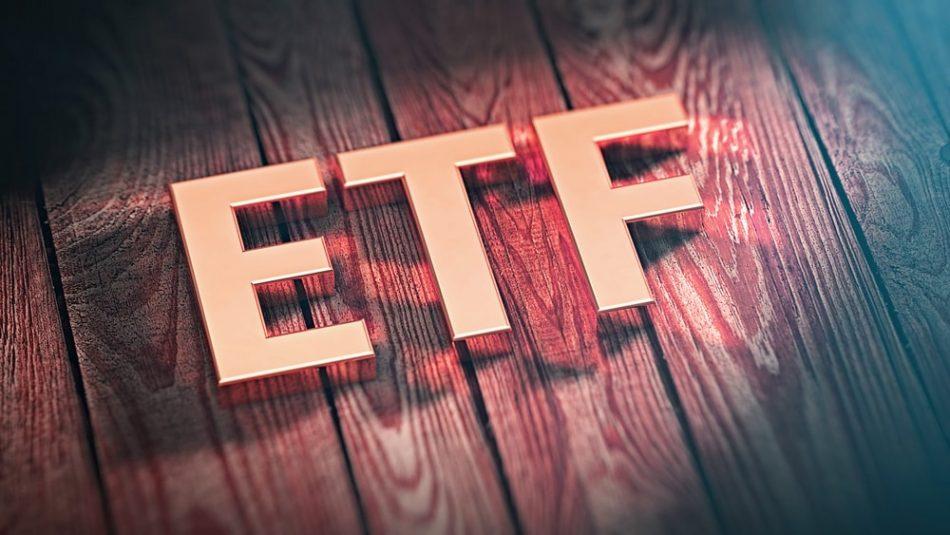 SEC продлила срок принятия решения по биткоин-ETF VanEck и SolidX до 30 сентября