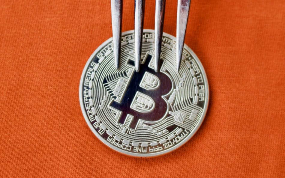 В сети Bitcoin Cash состоялся хардфорк.