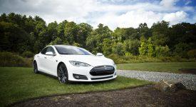 Беспилотный электромобиль Tesla