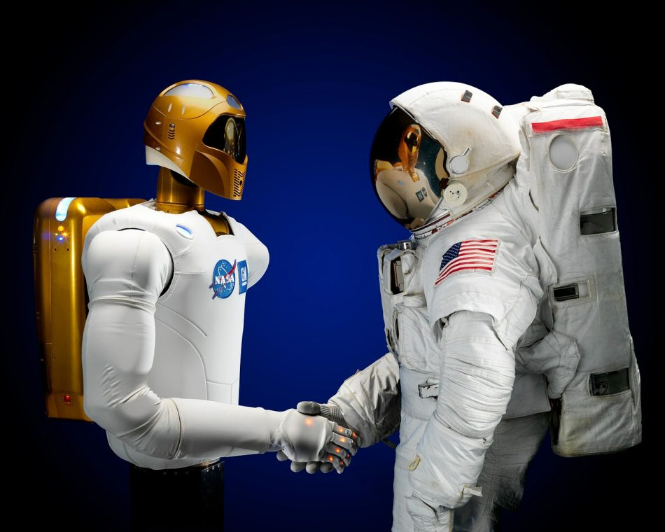 Японцы намерены автоматизировать все строительство лунной базы