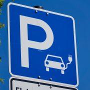 На одном из автобанов Германии запустили тестовый участок для передвижения электрогрузовиков
