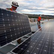 Американцы смогут взять в аренду солнечные панели Tesla
