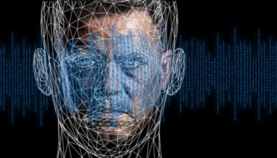 Методом компиляции нейросеть создала 100 000 изображений несуществующих людей